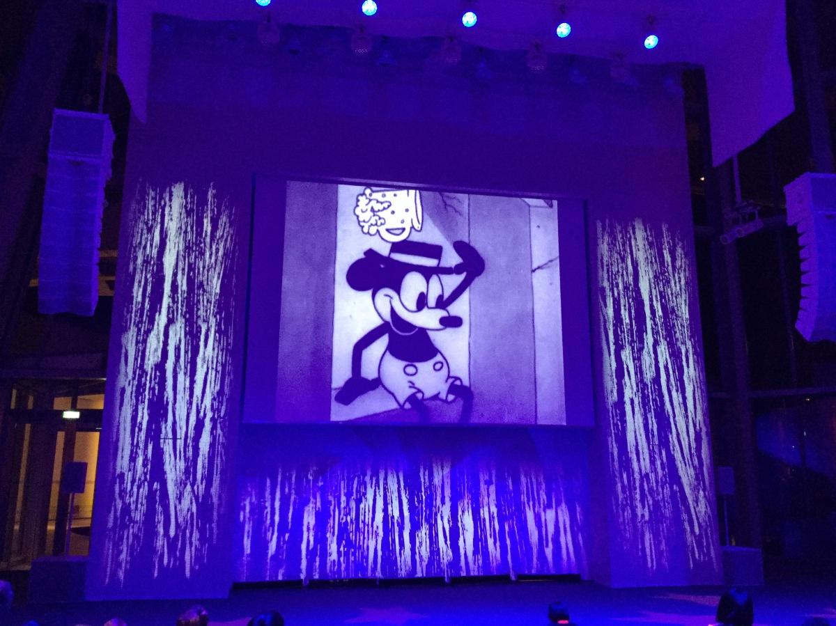 (Coup de coeur) La Nocturne Mickey Mouse de la Fondation Louis Vuitton